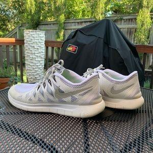 Nike Free Run 5.0-All White